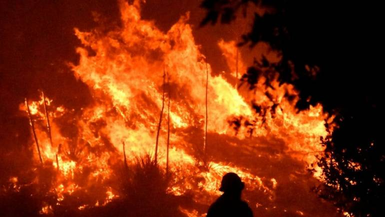 More ready to evacuate in Oregon as massive Bootleg Fire passes 340,000 acres